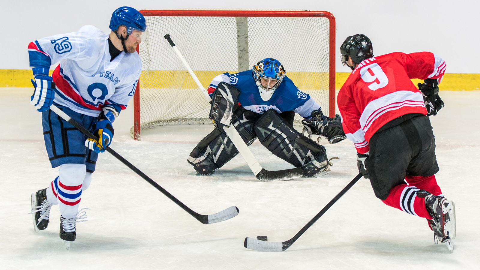 Hockey Players: 4 Secrets to Shoot More Accurately